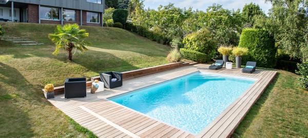 Grande piscine traditionnelle dans le Brabant Wallon