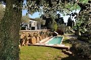 Piscine de charme au cœur de la Provence.