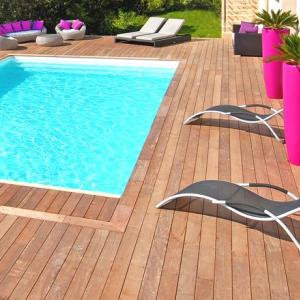Terrasse de piscine en ipé